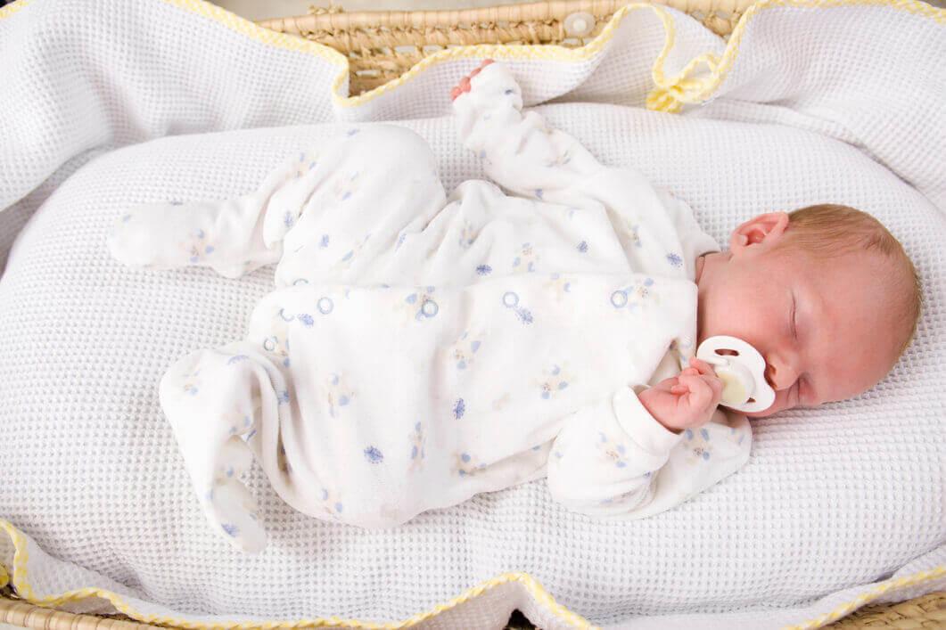 bebis sover