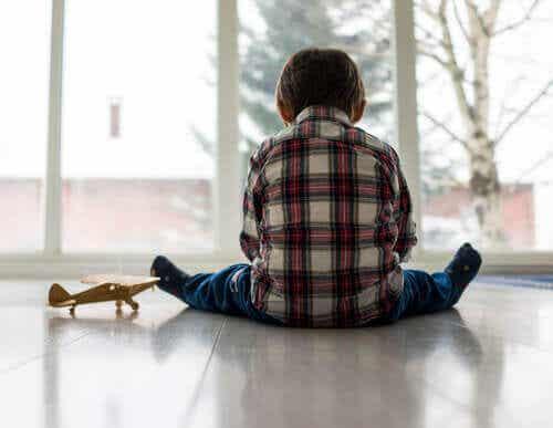 Emotionella problem hos barn: Orsaker, symptom och behandling