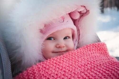 Vinterkläder för nyfödda bebisar