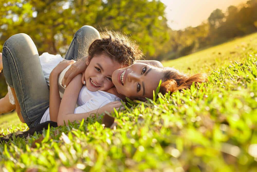 15 citat om den vackra upplevelsen att vara mamma