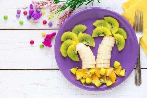 7 sätt att göra frukt tilltalande för barn