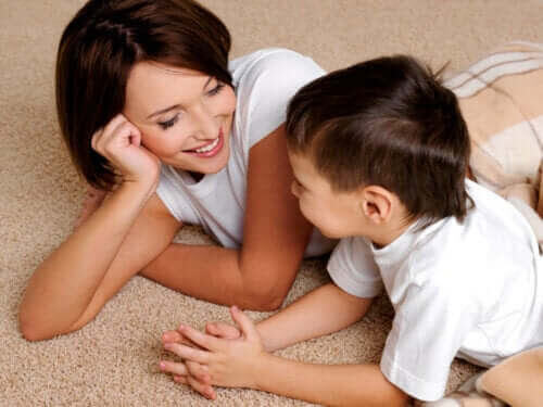 förbättra talfel: mamma och barn