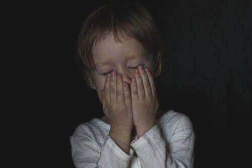Hur du hjälper ditt barn att komma över sin rädsla