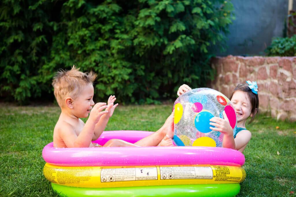 4 faror med uppblåsbara pooler: Vad du behöver veta