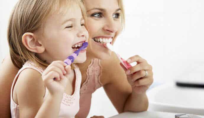 Hur du tar hand om ditt barns mjölktänder
