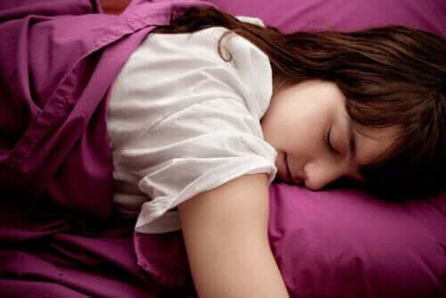Varför är inte många tonåringar morgonmänniskor?