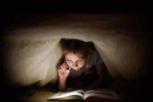 Släck ljuset, det är dags att läsa!
