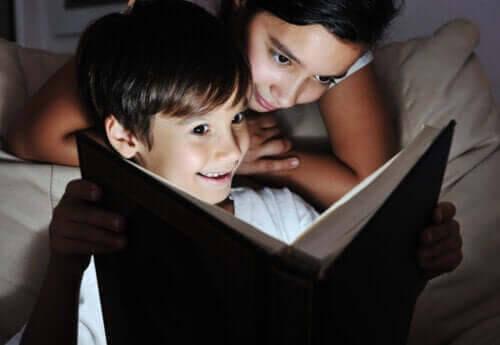 Släck ljuset och läs en bok tillsammans
