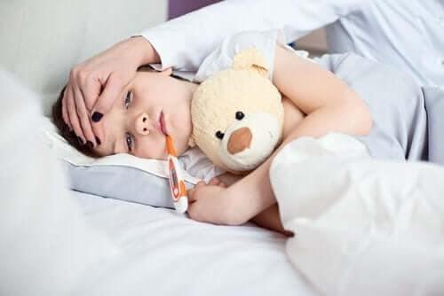 Växer barn när de har feber? Barn med feber