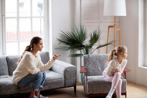 mamma talar allvar med dotter