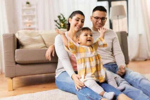 Hur du undviker stress när du är på besök med din bebis