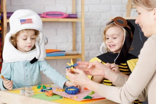 Heuristisk lek: Upptäcka, experimentera och utforska