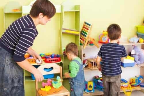 8 tips för att lära barn att organisera