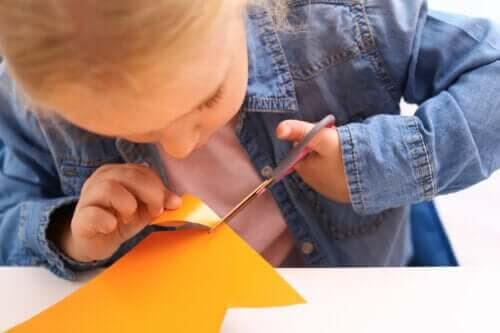 Hur korsad lateralitet påverkar prestationer i skolan