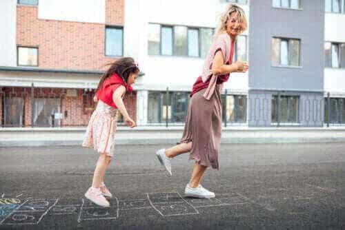 8 lekar som hjälper barn att utveckla grovmotoriska färdigheter