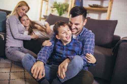 Aktiviteter för att arbeta med språklig kompetens hemma