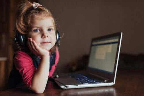 Lär barn att använda teknik på ett ansvarsfullt sätt