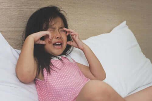 aldrig bör förbjuda dina barn: barn som gråter
