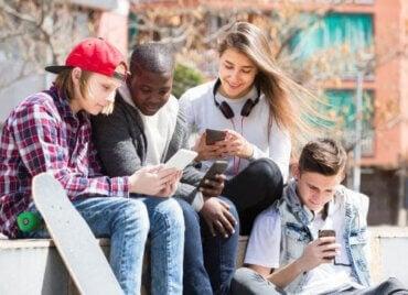 Farliga trender för tonåringar på sociala nätverk