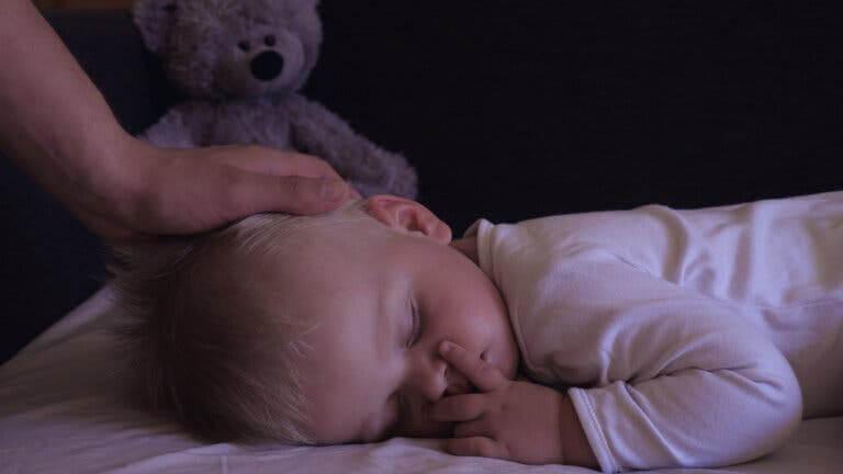 hypnopedi för barn: sovande baby