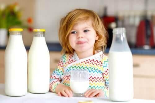 Allergi mot komjölksprotein hos barn