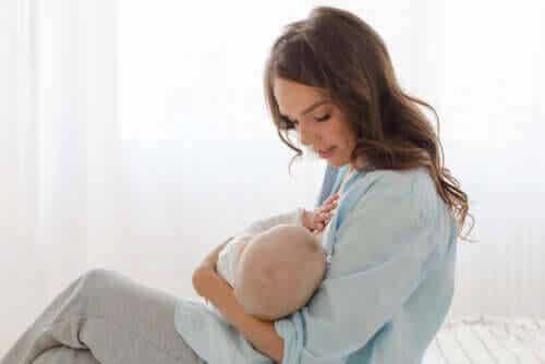Normalisera amning som mammor och barns rättighet