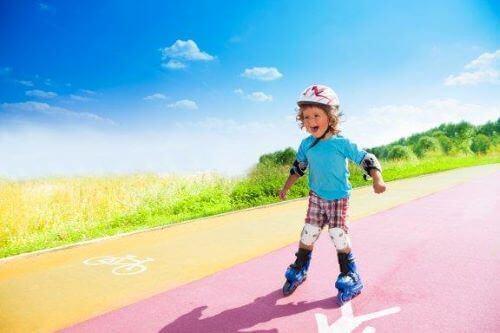 Barn som vill börja åka inlines: Enkla steg att följa