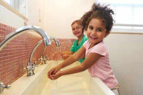 Vilka är fördelarna med rutiner för barn?