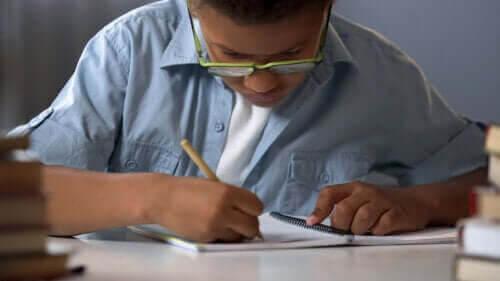 7 spel med papper och penna som du kan spela med familjen