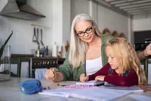 4 aktiviteter för att förbättra skriftspråket hemma