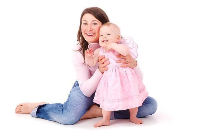 att föda pojkar: mamma och flicka