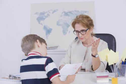 Ditt barn får dåliga betyg - hur kan du hjälpa?