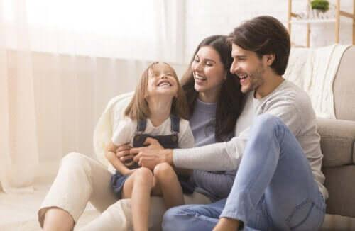 Lyckliga föräldrar, glada barn: Grundregeln för föräldraskap