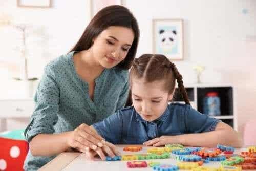 Aktivitet för mamma och barn med autism.