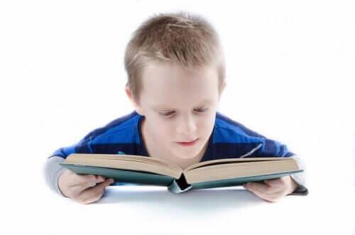 Så använder du Doman-metoden för att lära små barn att läsa