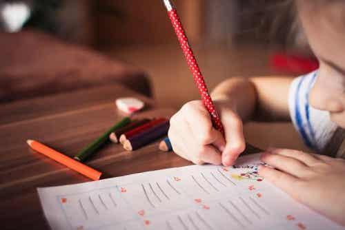 barn lär sig att skriva med Doman-metoden