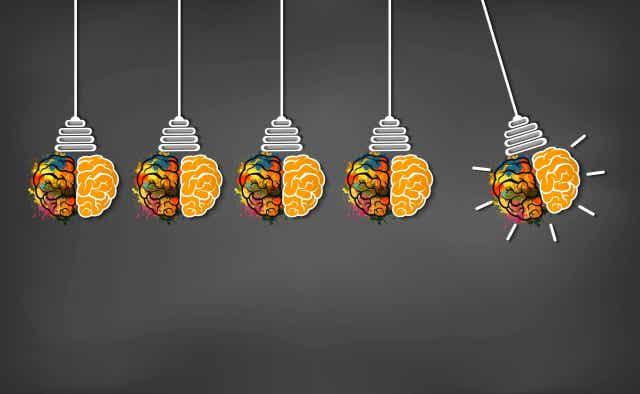 Illustration av glödlampor som ser ut som hjärnor.