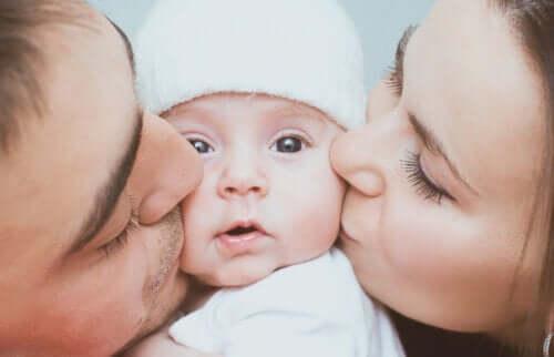 Höga oxytocinnivåer hos nyblivna föräldrar