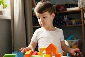 Lek är hur förskolebarn bör lära sig absolut allting.