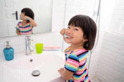 Är fluor bra eller dåligt för barn och deras munhälsa?