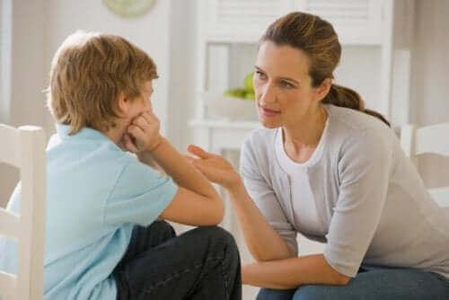 Hur du kan säga till dina barn så att de lyssnar
