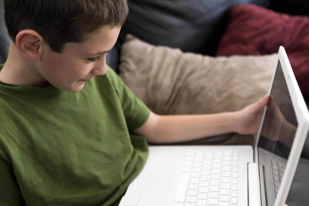tonåring som vill titta på pornografi