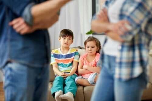 Varför är det viktigt att låta barnen se er bli vänner igen?