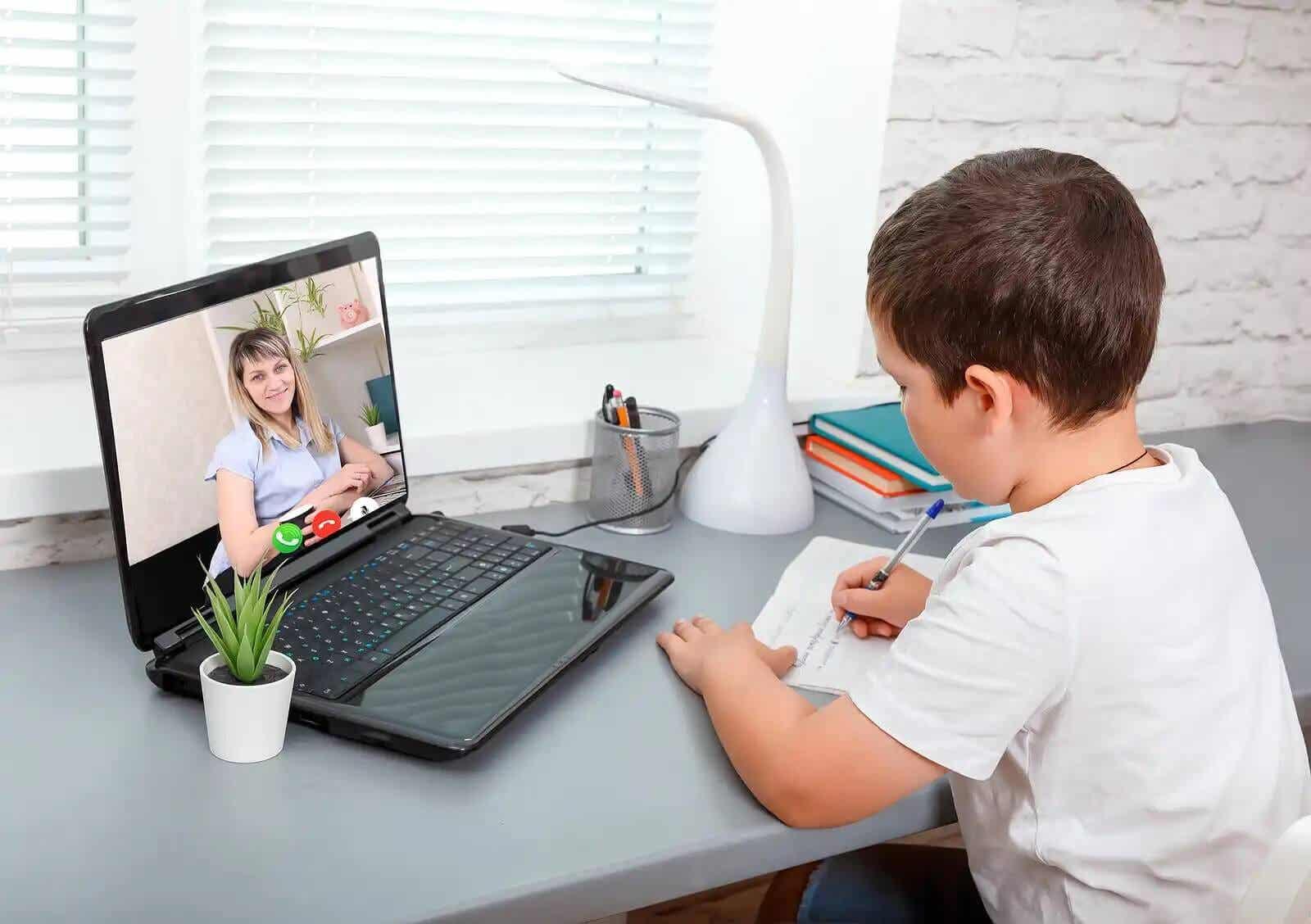 Det kan vara svårt att koncentrera sig på skolan hemma