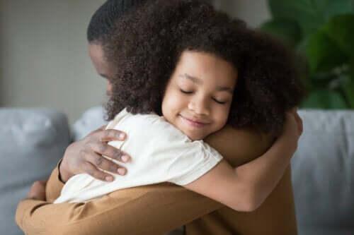 Att behålla lugnet medan vi utbildar våra barn: 9 tips
