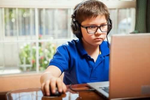 Fördelar och risker med onlinespel