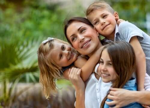 Det är bra för dina barn att se dig som en ofullkomlig mamma