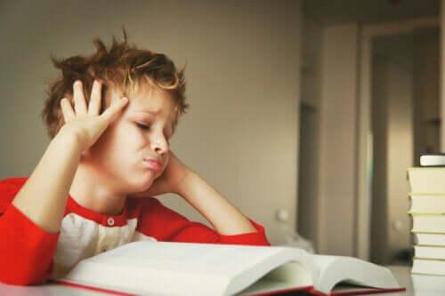 Hur man motiverar barn som tappar intresset för lärande