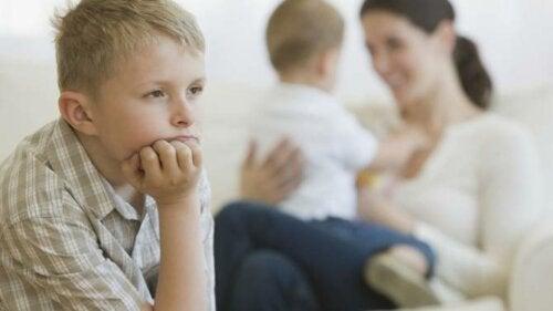 Föräldrafel som orsakar svartsjuka mellan syskon