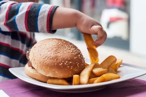 Vad är den sämsta maten för spädbarn?
